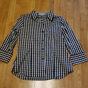 Foxcroft B/W gingham fitted button down sz 10